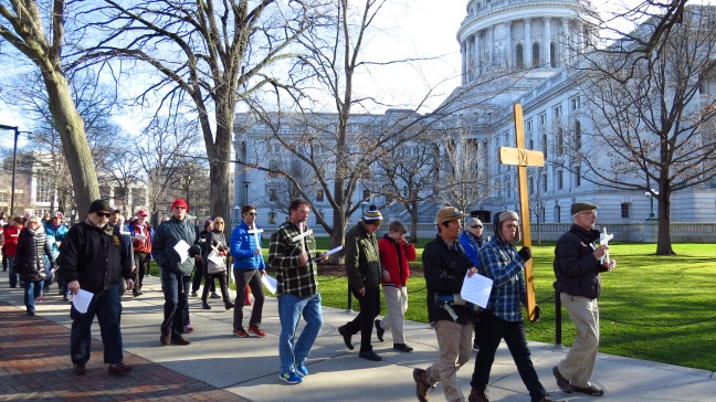 Madison-Stations-Cross-walk-past-state-capital