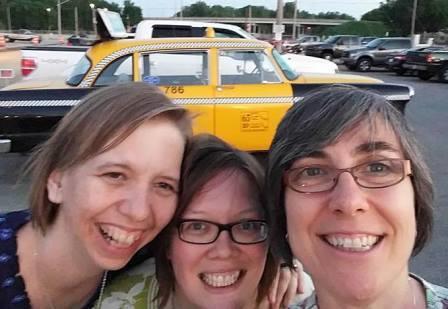 three-women-taxi